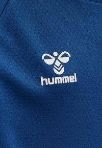 Hummel - Print T-shirt - true blue - 4