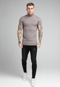SIKSILK - FINE GYM TEE - Basic T-shirt - grey - 1
