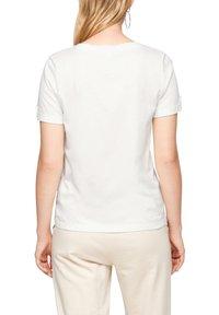 s.Oliver - BRUSTTASCHE - Basic T-shirt - offwhite - 5