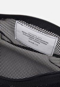 ARKET - SET UNISEX 3 PACK - Wash bag - black - 2