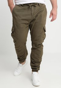 Urban Classics - Cargo trousers - olive - 0