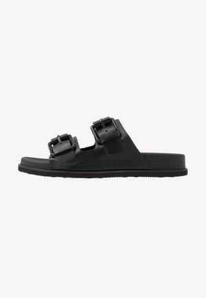 MELVIN - Domácí obuv - black