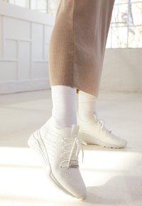 Steve Madden - CELLO - Sneakers laag - white - 5