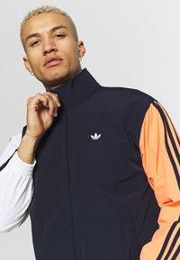 adidas Originals - SHADOW - Kurtka wiosenna - dark blue - 3