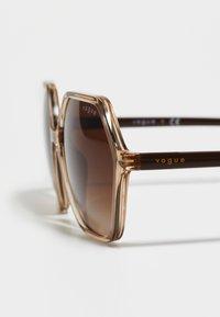 VOGUE Eyewear - Sunglasses - transparent caramel - 3