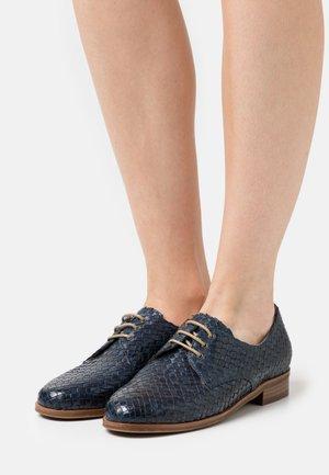 Zapatos de vestir - blue