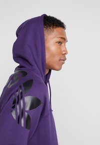 adidas Originals - REVEAL YOUR VOICE LITHOODY - Hættetrøjer - legend purple - 3