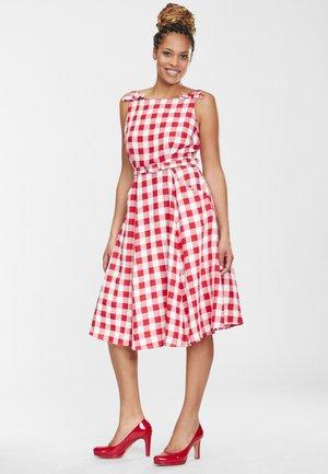 PRUE - Korte jurk - red/white