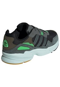 adidas Originals - Sneakers - black - 3