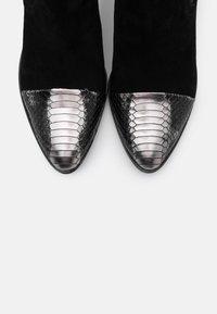 Alberto Zago - Ankle boot - argento/nero - 5