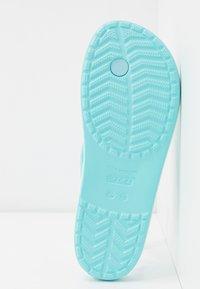 Crocs - CROCBAND - Pool shoes - ice blue - 6