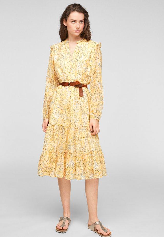 Korte jurk - sunlight yellow aop