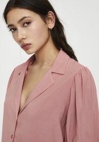 PULL&BEAR - Button-down blouse - rose - 5