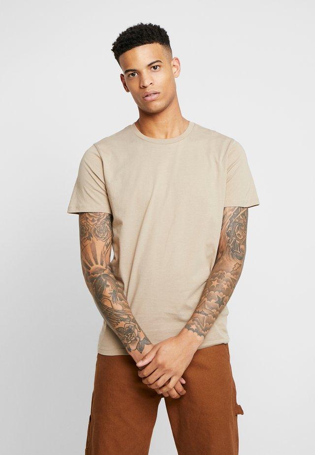 THE ORGANIC TEE BASIC - Basic T-shirt - chinchilla