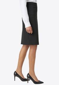 HALLHUBER - Pencil skirt - black - 2