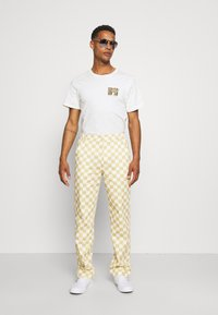 Vintage Supply - CHECKERBOARD PANT UNISEX - Stoffhose - offwhite - 1
