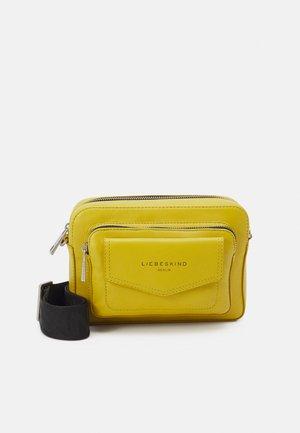 CROSSBODY S - Across body bag - cream gold