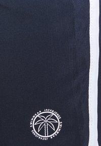 Jack & Jones - JJIIBIZA JJSWIM SOLID - Shorts da mare - navy blazer - 4