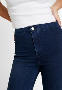 Topshop Tall - HOLDING POWER JONI - Jeans Skinny Fit - indigo - 3