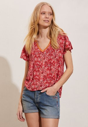 Blouse - cherry red