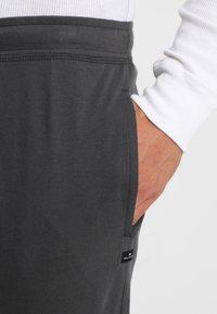 TOM TAILOR - Pyžamový spodní díl - grey dark solid - 5