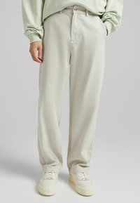 Bershka - Relaxed fit jeans - sand - 0