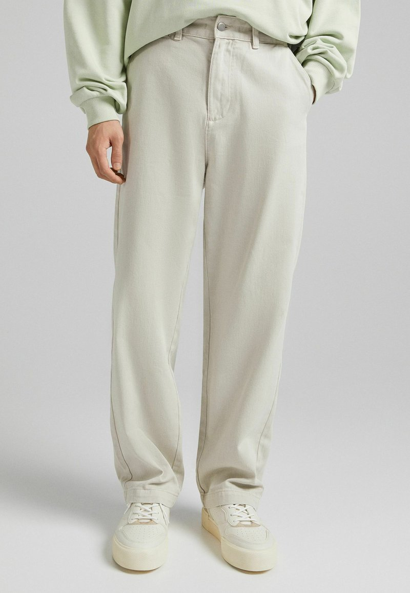Bershka - Relaxed fit jeans - sand