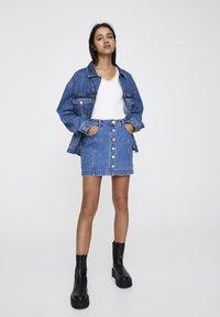 PULL&BEAR - Denim skirt - mottled dark blue - 1