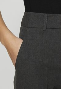 Selected Femme - SLFRIA CROPPED PANT - Trousers - dark grey melange - 3