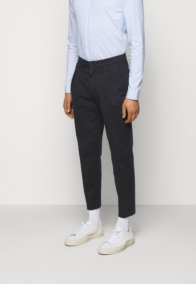 NOSH - Trousers - blau