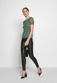 Anna Field - Blusa - green - 1