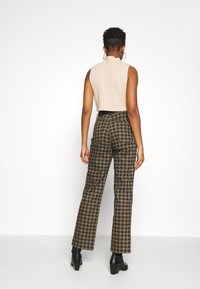 Topshop - DOG RUNWAY - Džíny Relaxed Fit - brown - 2