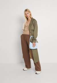 Jaded London - NEUTRALS JOGGER IN RELAXED FIT - Pantalon de survêtement - brown - 1