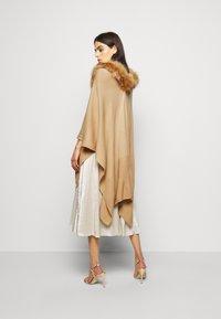 Lauren Ralph Lauren - RUANA - Cape - classic camel - 2