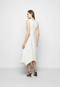 Proenza Schouler White Label - FRINGE FIL COUPE DRESS - Vapaa-ajan mekko - cream - 2