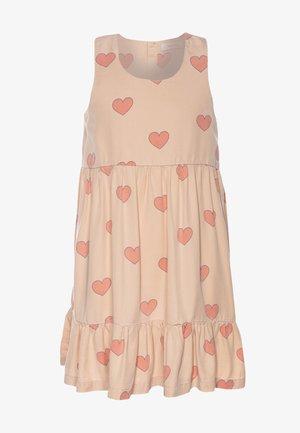 HEARTS DRESS - Freizeitkleid - nude/red