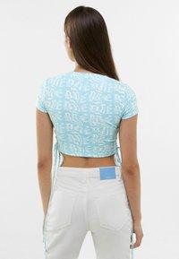 Bershka - T-shirt med print - turquoise - 2
