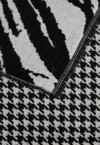 Opus - AMUSTA SCARF - Scarf - black - 2