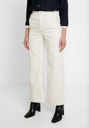 TROUSERS - Kalhoty - white