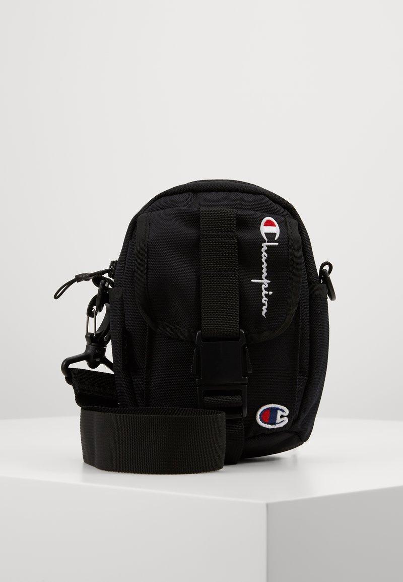 Champion Reverse Weave - SMALL SHOULDER BAG - Across body bag - black