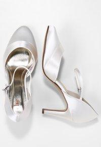 Elsa Coloured Shoes - RAINBOW CLUB PASSIONBERRY - Bridal shoes - ivory - 2