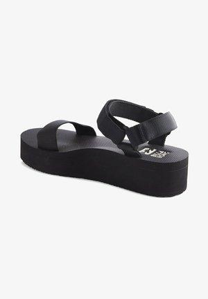 KARI ON  - Sandalias de cuña - black