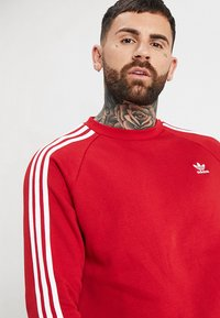 adidas Originals - 3 STRIPES CREW UNISEX - Sweatshirt - powred - 3