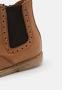 Froddo - CHELYS BROGUE NARROW FIT - Classic ankle boots - cognac - 5