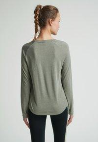 Hummel - VANJA  - Long sleeved top - vetiver - 2