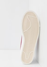 Nike Sportswear - BLAZER MID '77 UNISEX - High-top trainers - white/worn brick/sail - 5