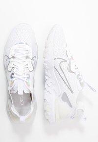 Nike Sportswear - REACT VISION - Tenisky - white/platinum tint/white - 3