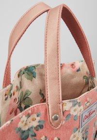 Cath Kidston - REVERSIBLE CROSS BODY - Across body bag - dusty pink - 4