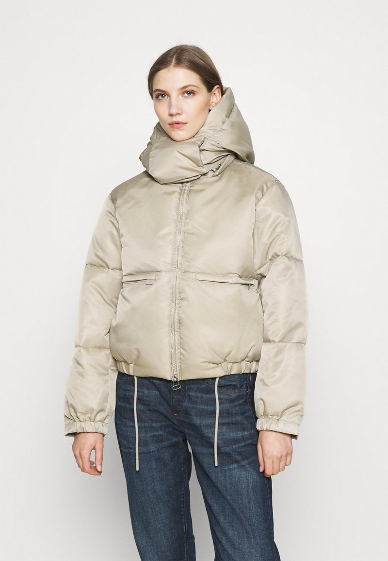 Weekday - HANNA SHORT PUFFER JACKET - Winter jacket - beige