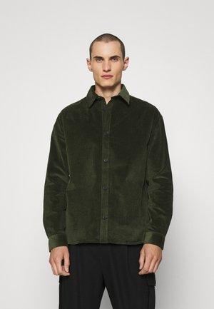 SHIRT - Shirt - green